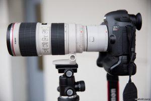 Фотокамера с экстендером Canon