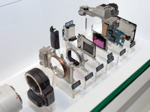 Цифровой фотоаппарат по помпонентам