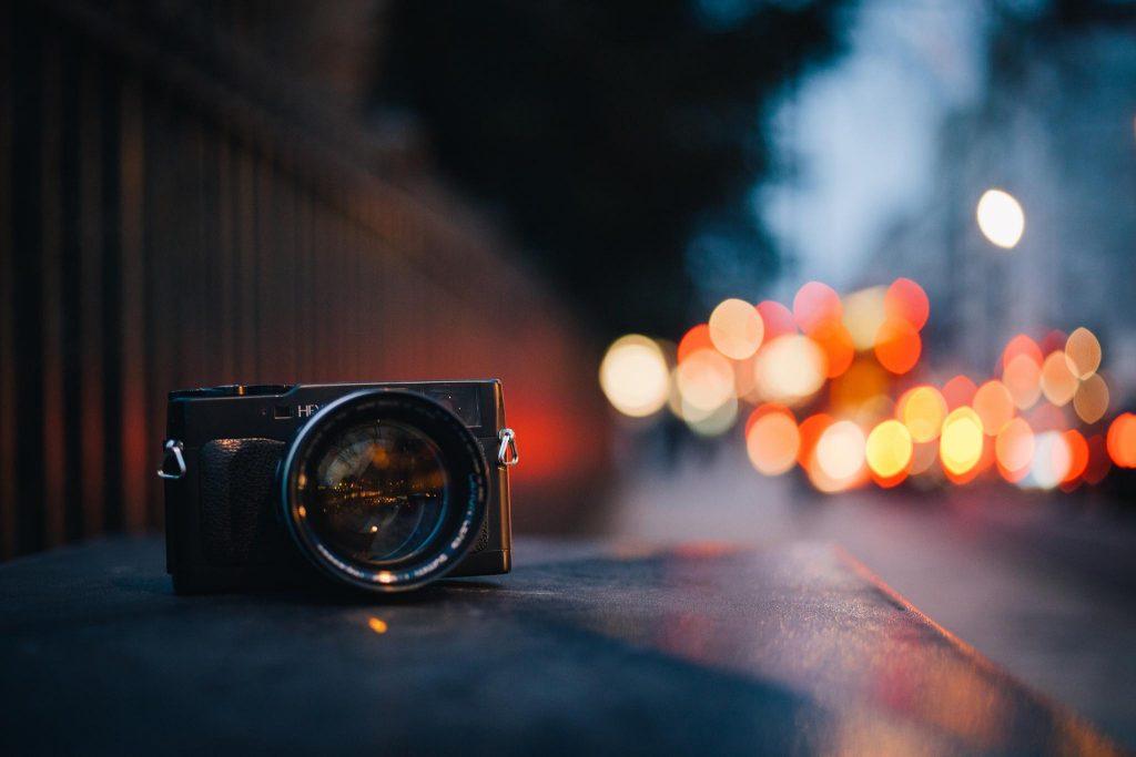 Как делать ночные снимки без штатива