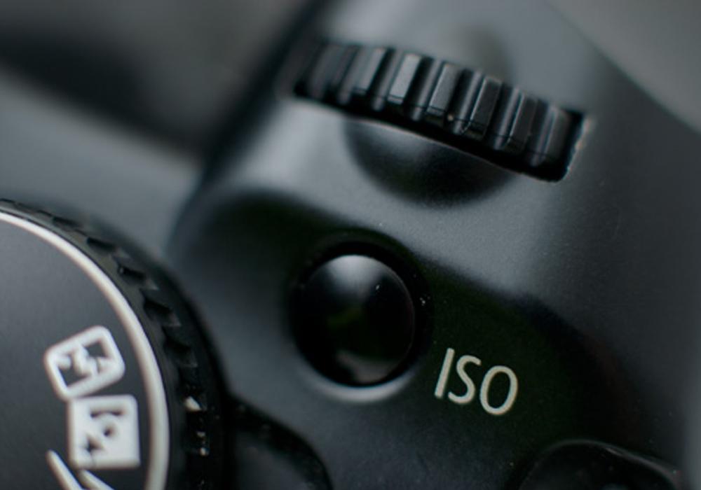 Светочувствительность (ISO)