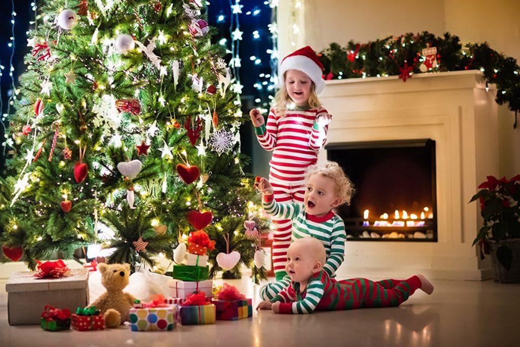 Идеи-новогодней-фотосессии-с-ребенком