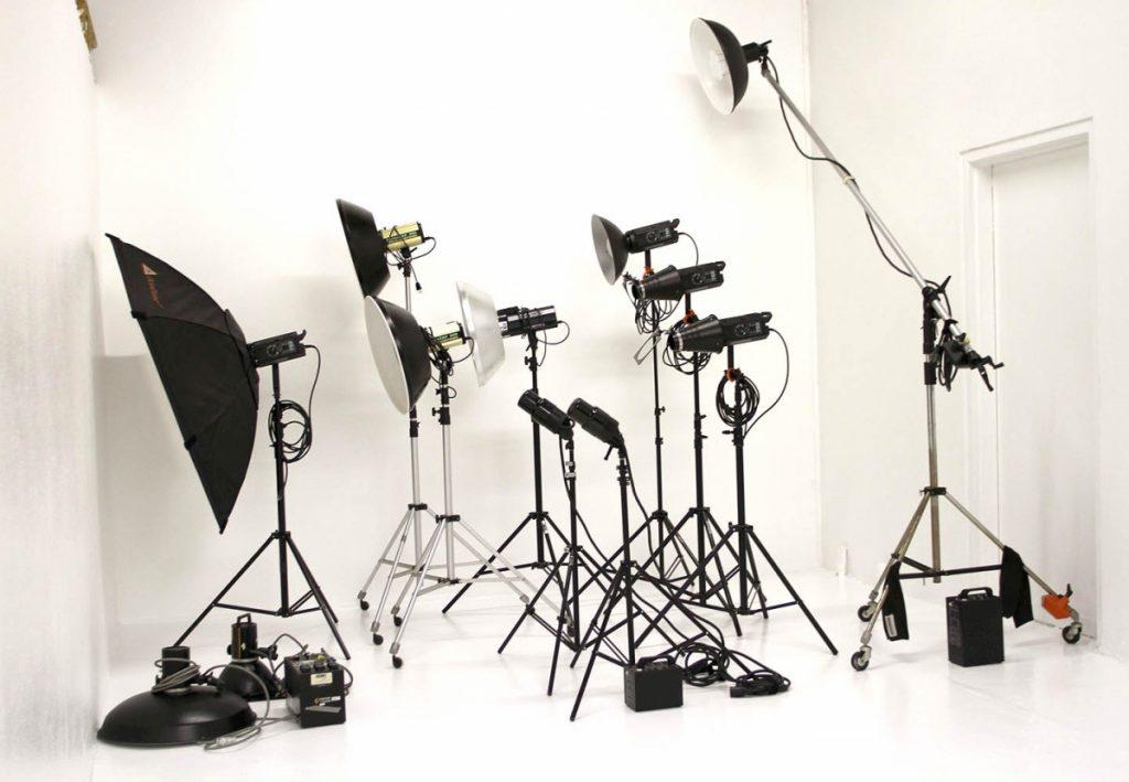приспособление на фотоаппарат в студии картинки надписями