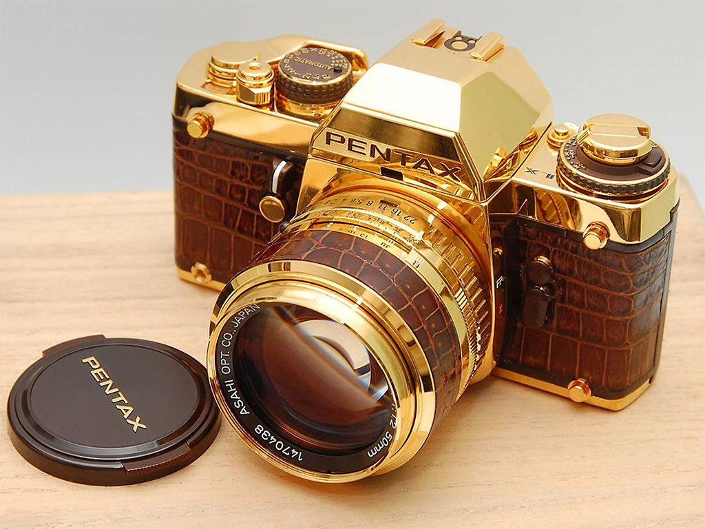 Нужна дорогая фотокамера